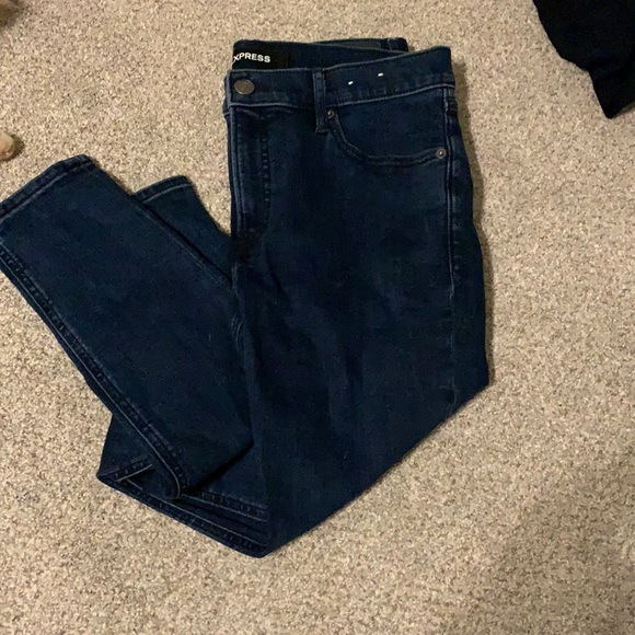 Mid-Rise Skinny leg jeans from Express. Size 10R